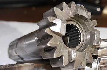 Clutch gear bearing